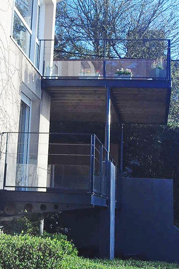 un balcon sur la mer les architecteurs. Black Bedroom Furniture Sets. Home Design Ideas