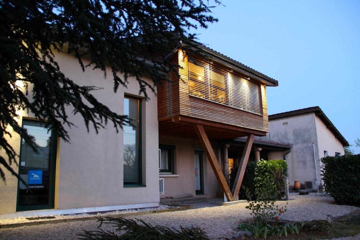Extension villa limonest les architecteurs for Greentown villas 1 extension