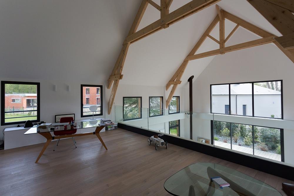 toit cathedrale maison des id es pour le style de maison. Black Bedroom Furniture Sets. Home Design Ideas