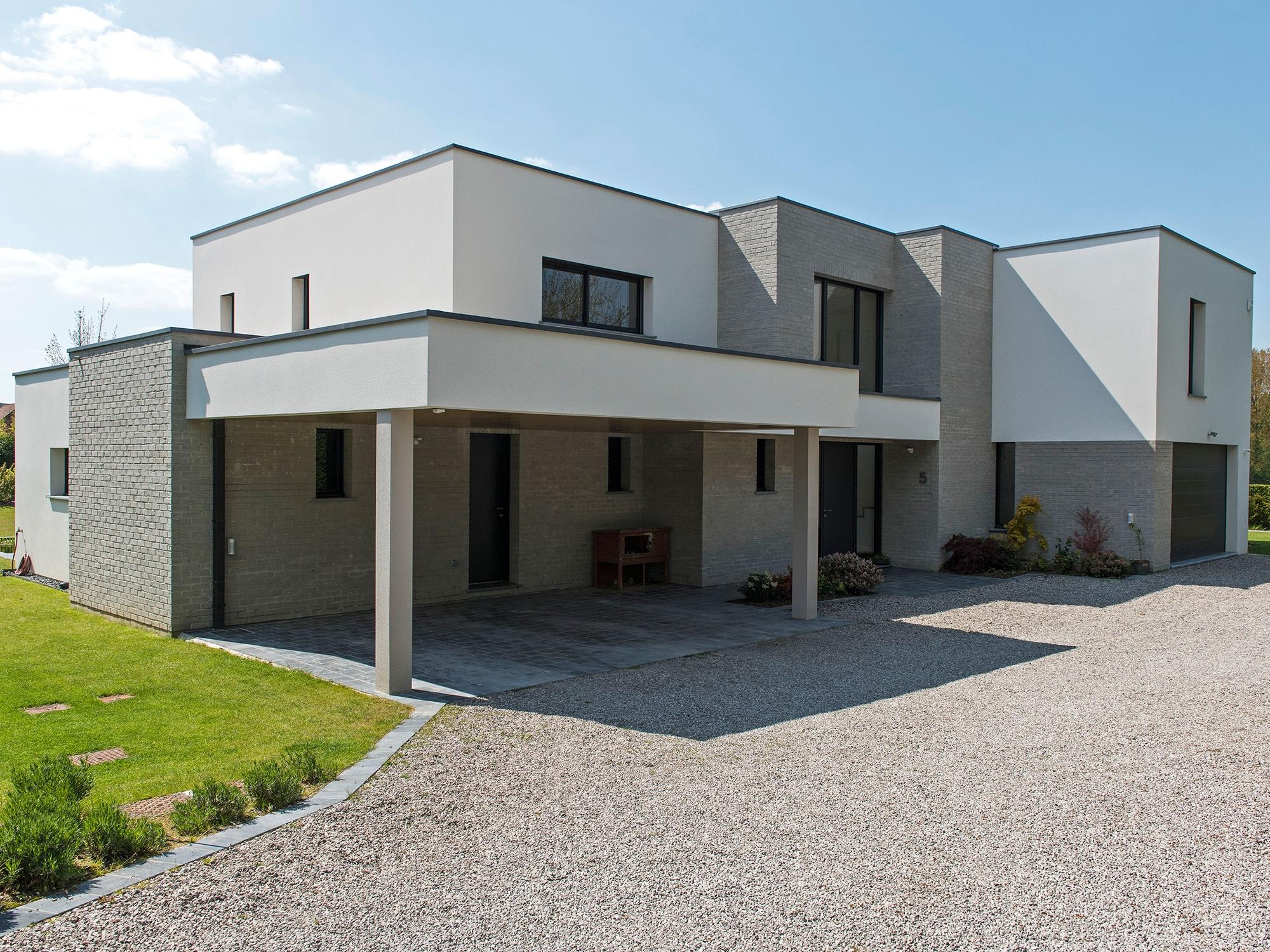 Maison Cubique Enduit Et Briques Grises