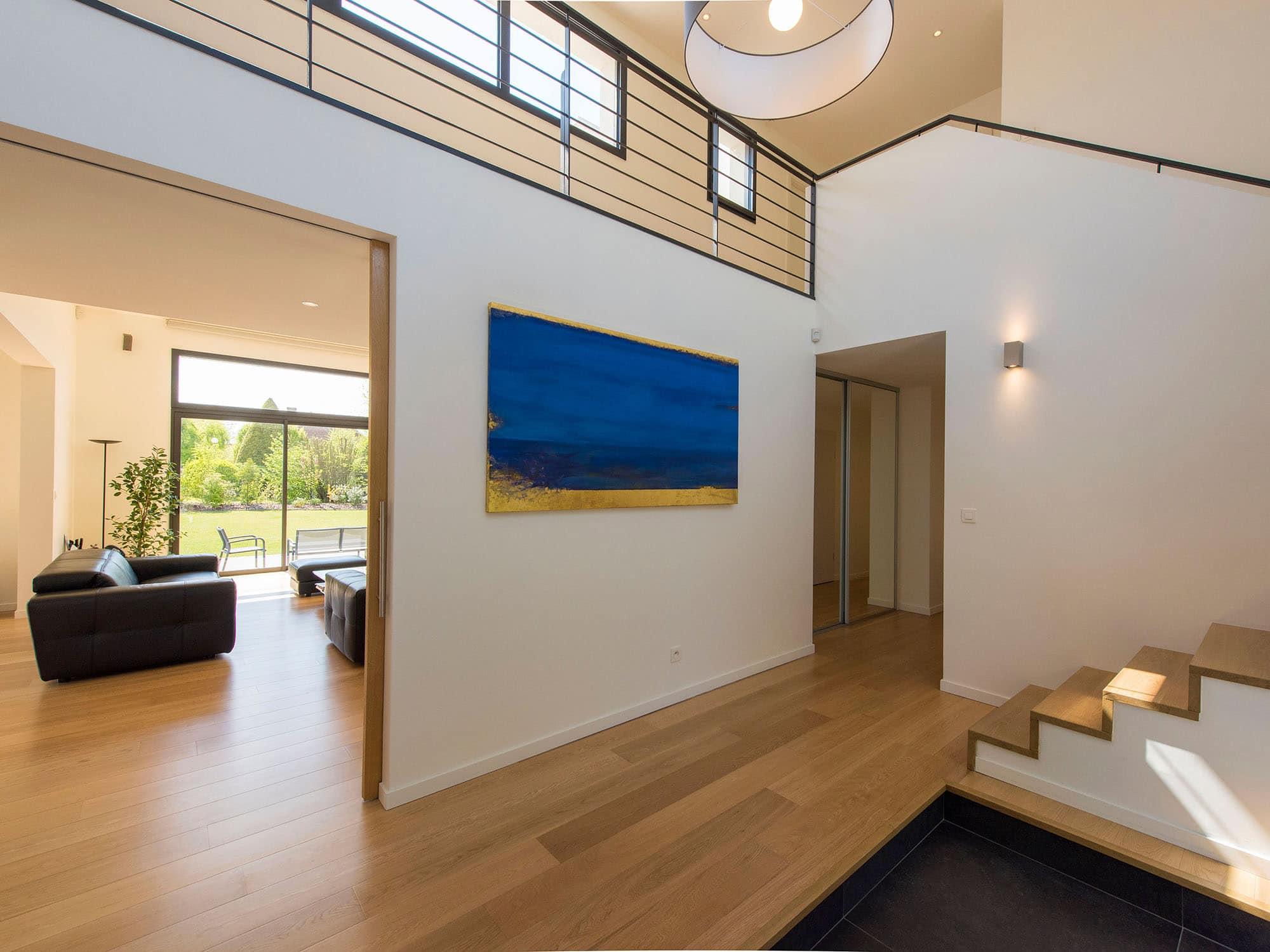 Maison cubique enduit et briques grises - Interieur maison cubique ...