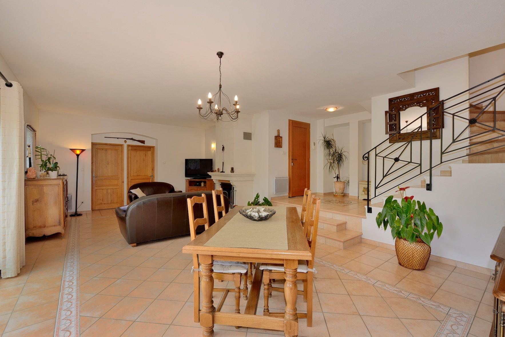 Maison proven ale les architecteurs for Interieur provencale
