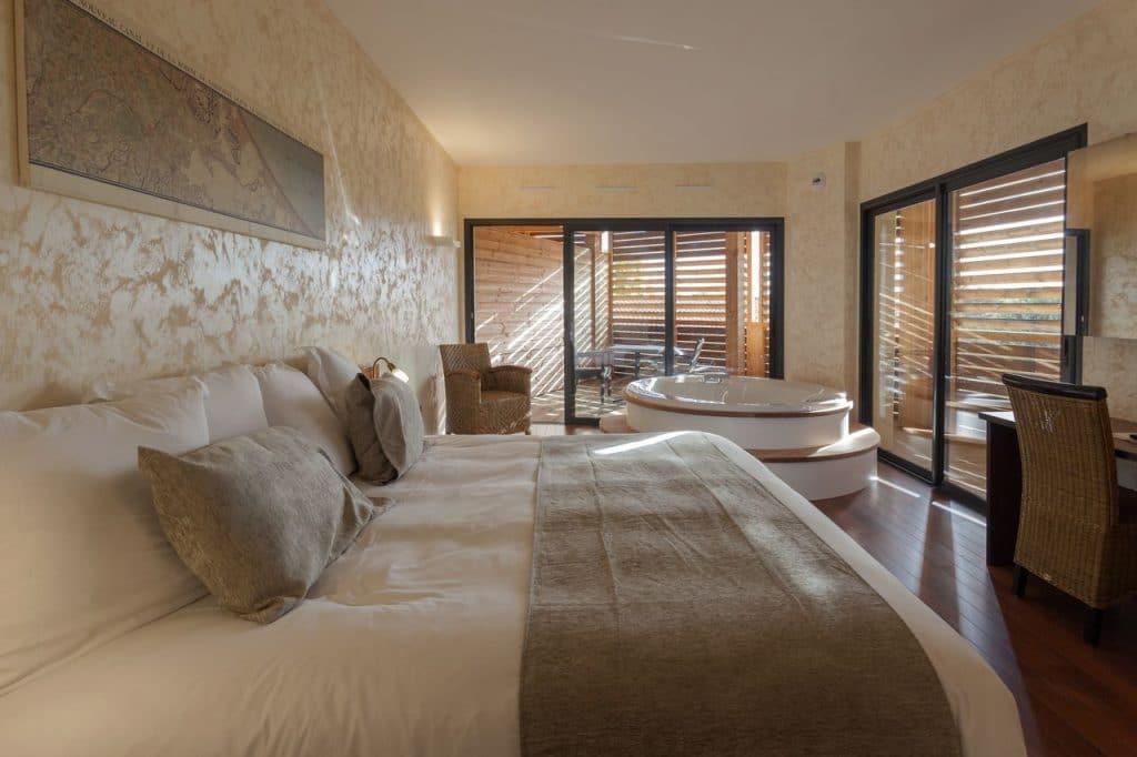 Pro2_Architecteurs_HOTEL_Ile_Du_Gua_05.jpg