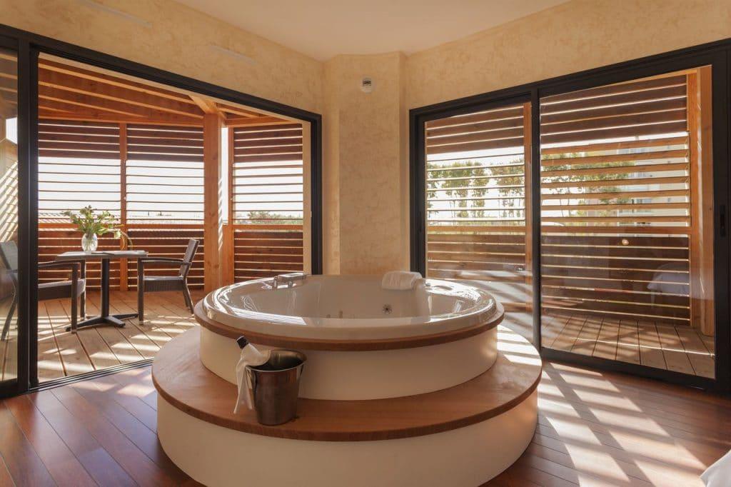 Pro2_Architecteurs_HOTEL_Ile_Du_Gua_08.jpg
